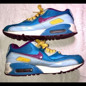 Nike Air Max Girls New Blue Plum Red Yellow  5.5Y